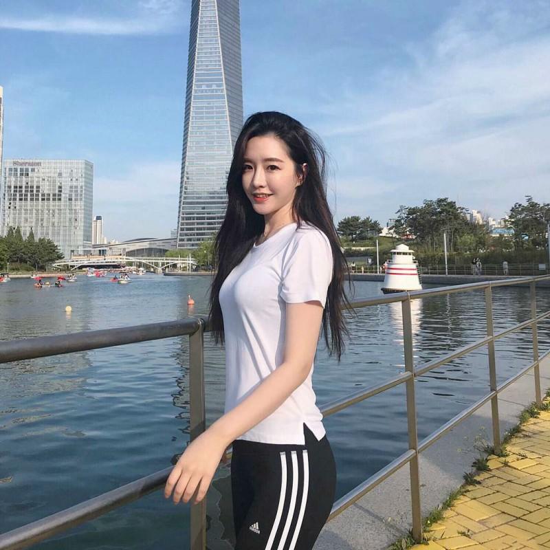 【捕鱼王】韩国长发气质正妹美女 转身回谟一笑令人想恋爱
