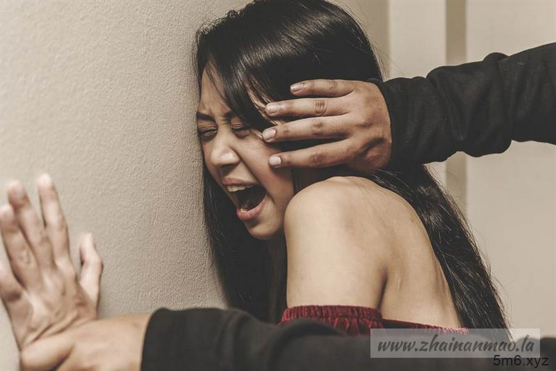 【捕鱼王】快讯:旅游遇难!20岁人妻遭5男轮流硬上 夫被逼看3小时!